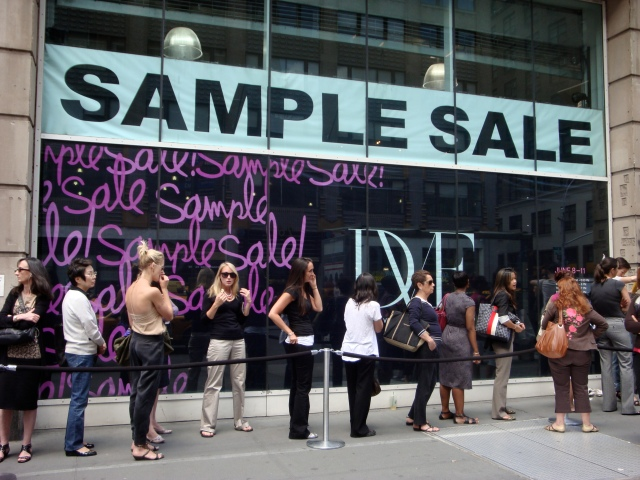 sample sale dvf line saving money fashion