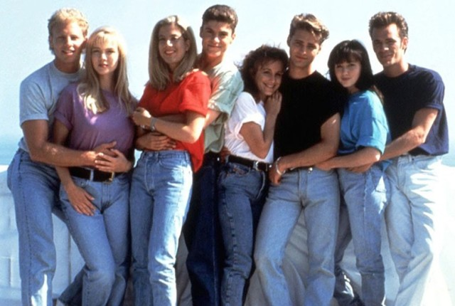 beverly hills 90210 90s mom jeans fashion