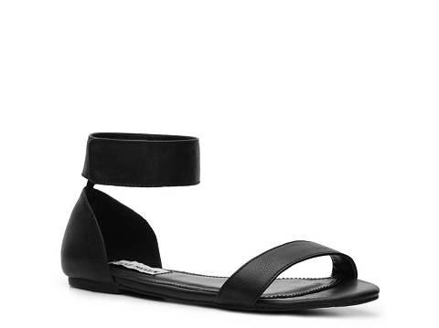 steve madden kasty flat sandal ankle strap black