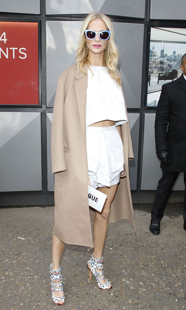 poppy delevingne white on white topshop unique show