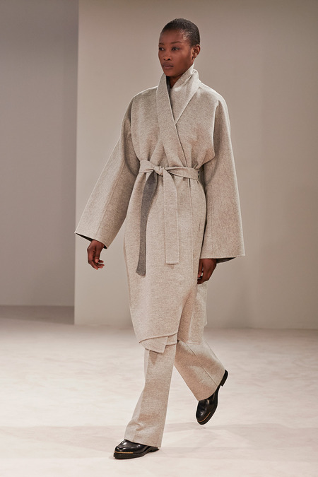 the row fall 2014 fashion trend rtw robe coat